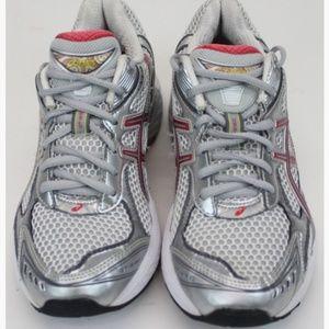 Women's Asics  Shoes White & Silver Size 6 1/2